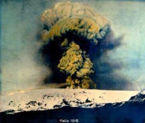 Katla erupting in 1918.