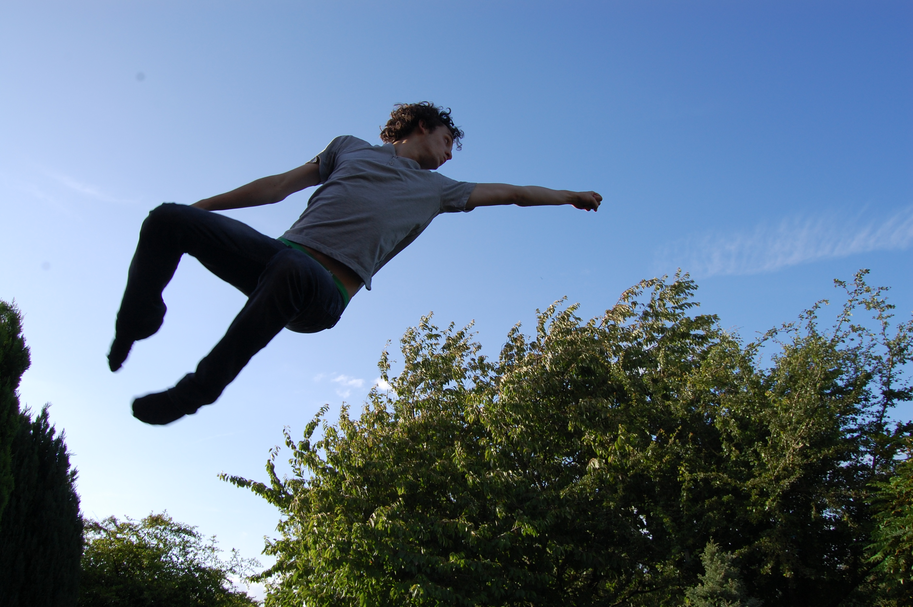 четкие фото человек в прыжке вам